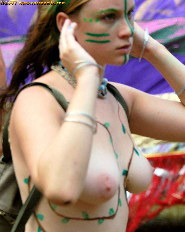 Andyo oregon country fair 2007 Coccozella Nudist Photography
