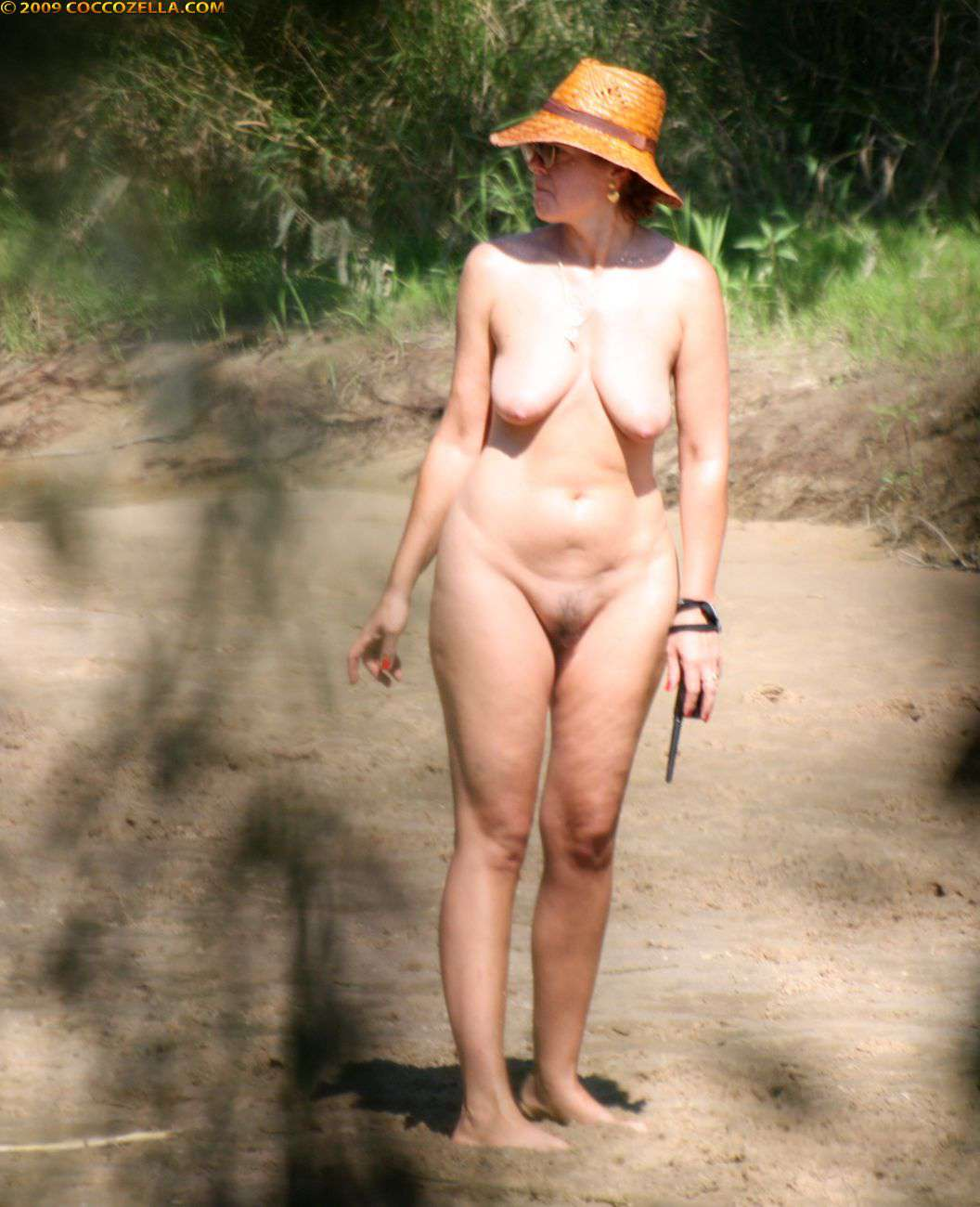Sobek 90 nude french camping
