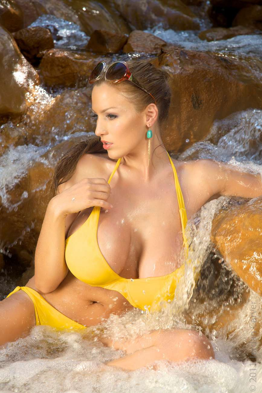 Jordan Carver Yellow River