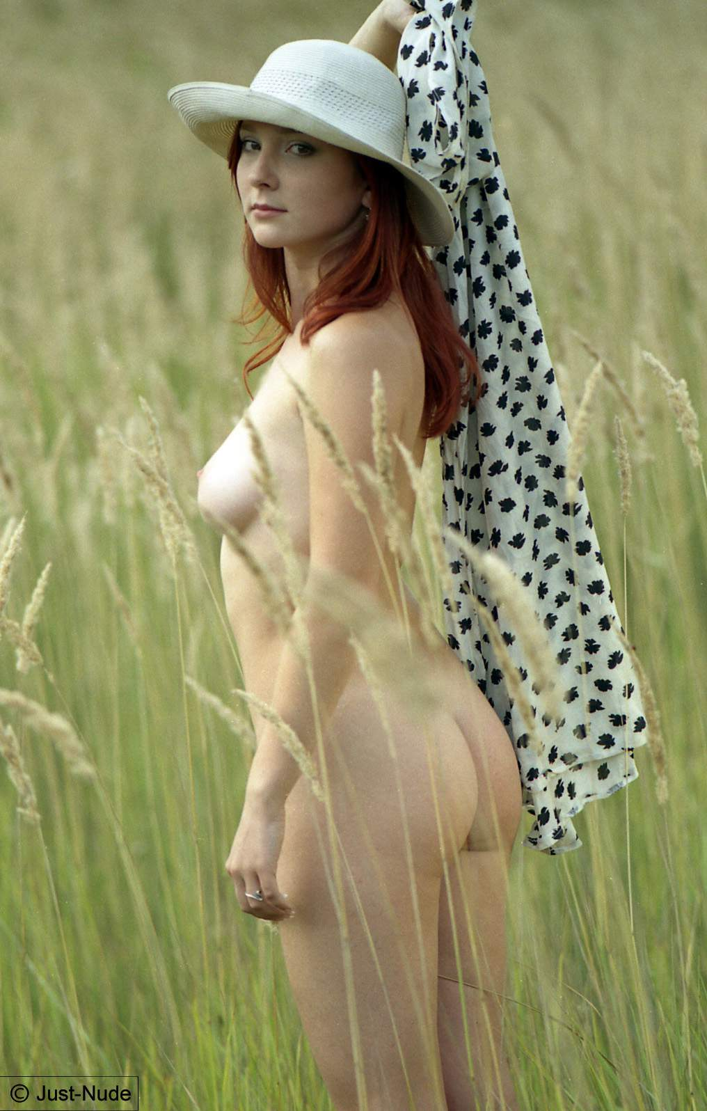 Katya – hot summer field