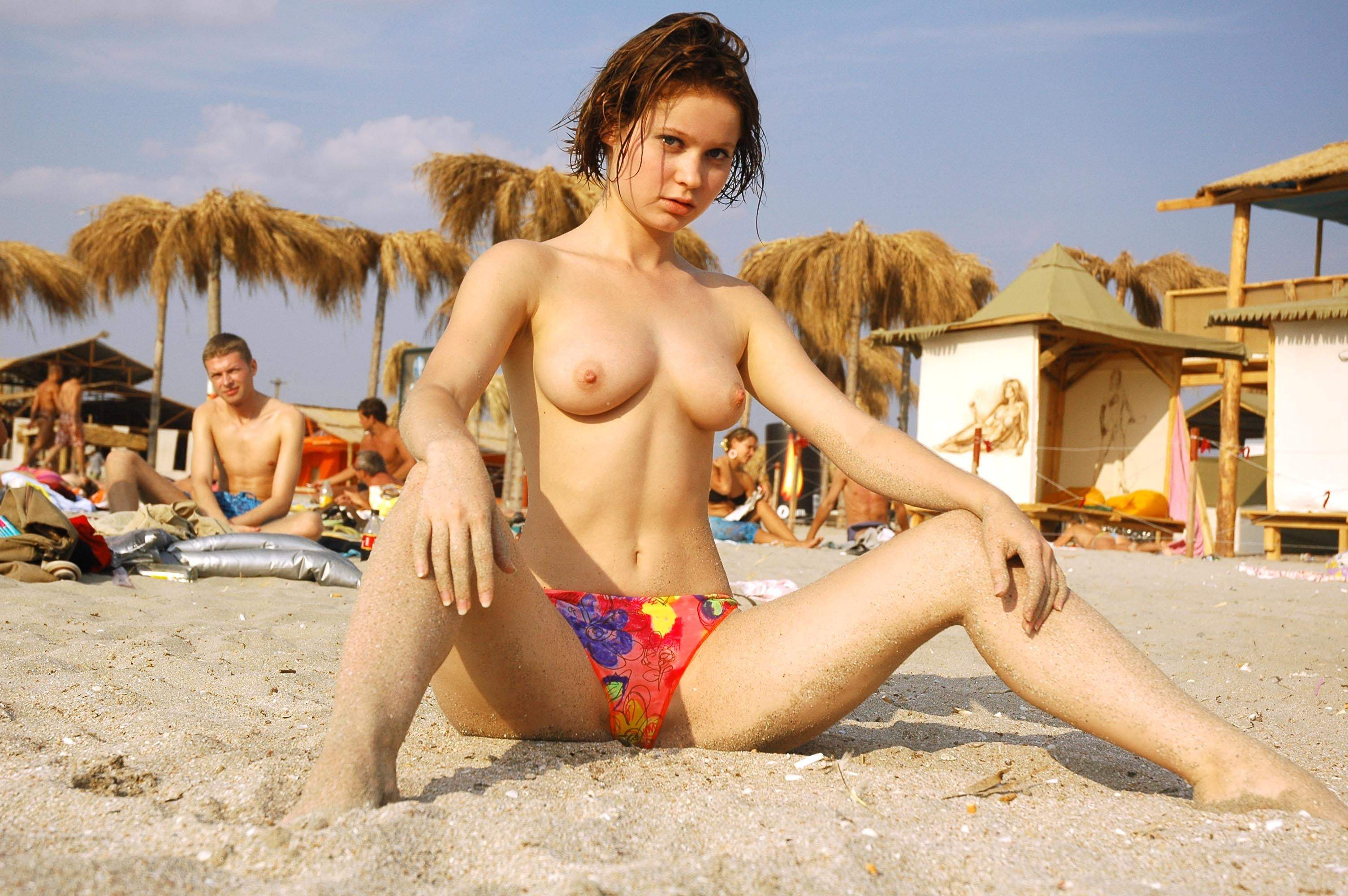 topless-nz-girl-naked-ladies-free