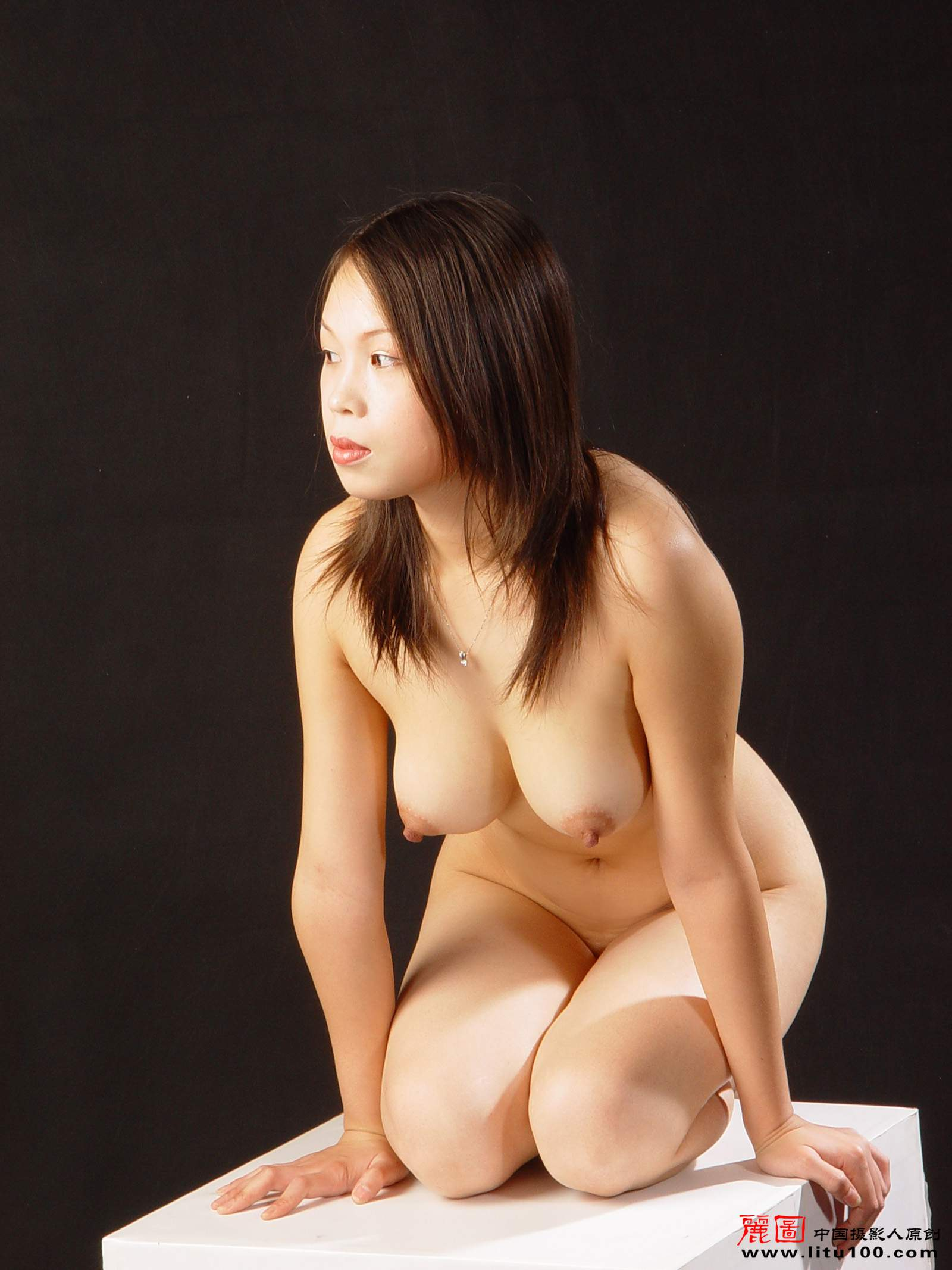 queen-nude-chinese